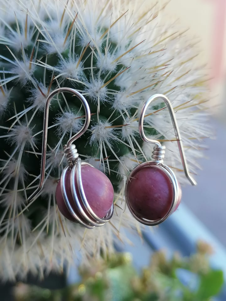 """Обеци с полускъпоценни камъни """"Wire*Rodonite"""" - """"SiddhArta handmade"""""""