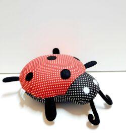 Текстилна играчка калинка