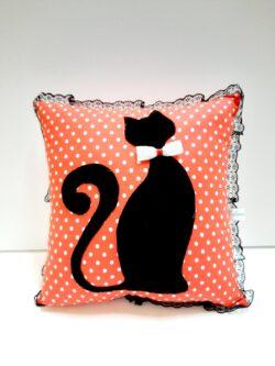 Възглавница котка